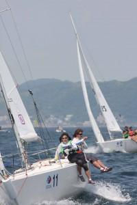 初日、B1クラスでトップに立った日本代表の「makamaka」チーム(photo by J-SAILING)