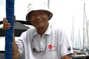 「古い旅券」の筆者、武村洋一さん