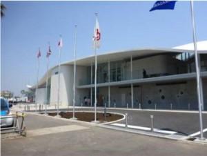6月1日にオープンした江ノ島ヨットハーバーの新しいヨットハウス